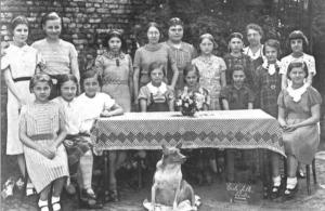 Classe de 6e primaire de l'école communale de François Decrucq - Ecole du Centre